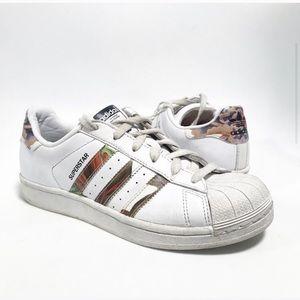 Adidas. Flower print superstars. Shell toe